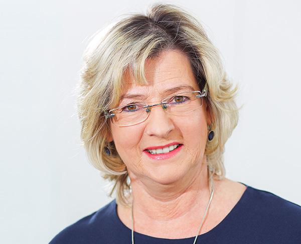 </br>Manuela Pazdzierski